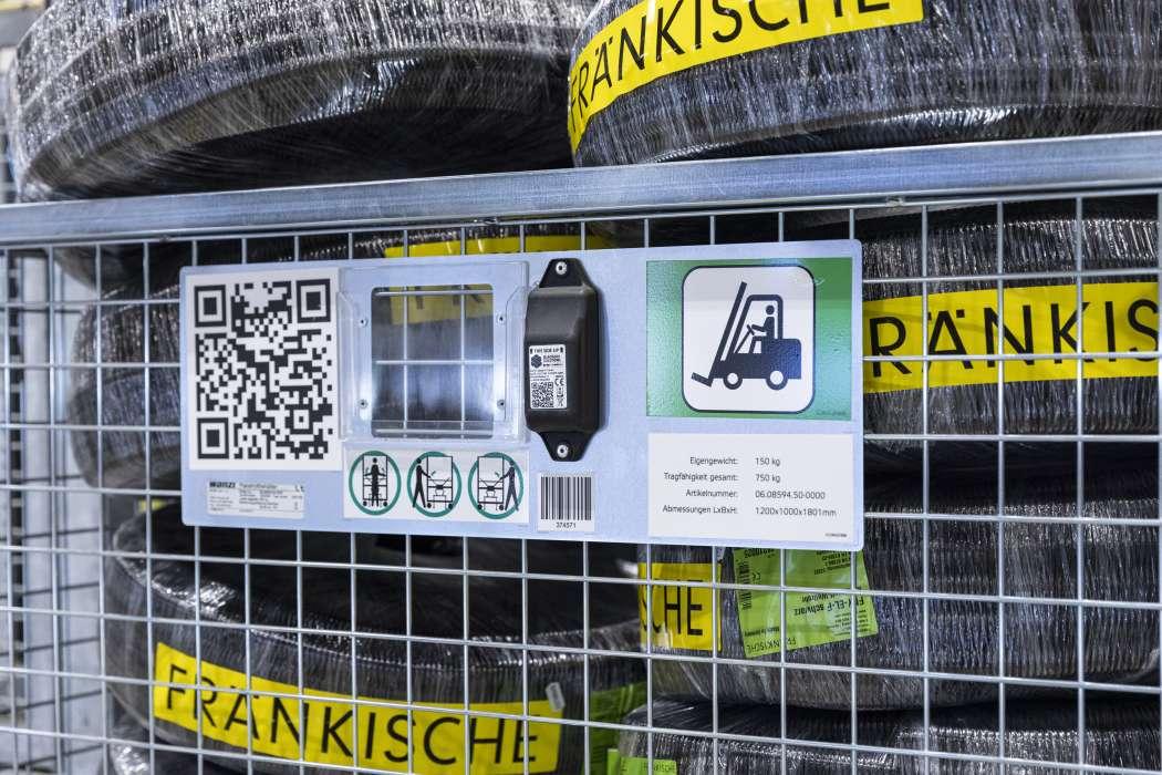 Seguimiento de activos: contenedores rodantes inteligentes con protección electrónica antirrobo de Wanzl con tecnología Sigfox